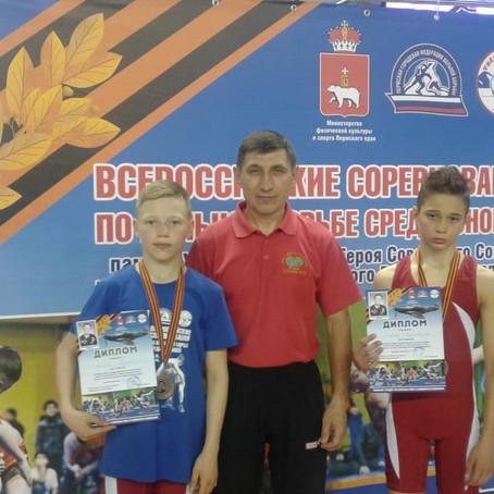 Спортсмены ГО Богданович приняли участие в всероссийских соревнованиях по вольной борьбе
