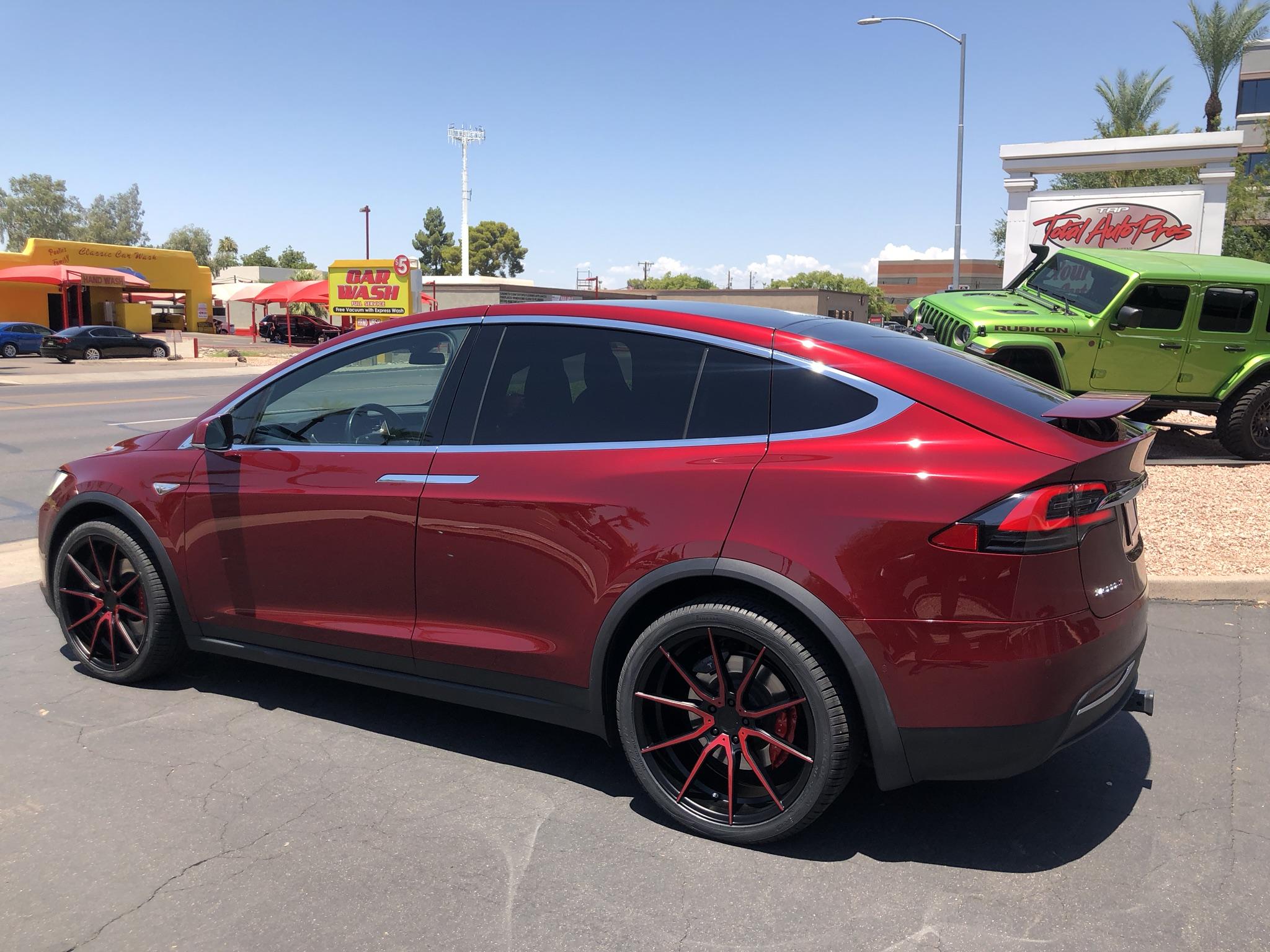 Red Tesla Model X (2)