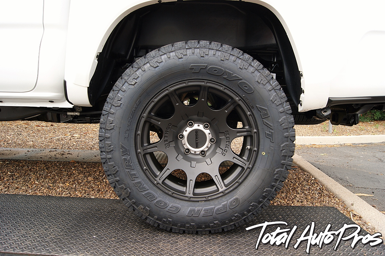 2016 Toyota Tacoma White