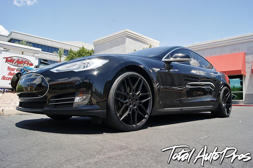 2013 Tesla Model S Black
