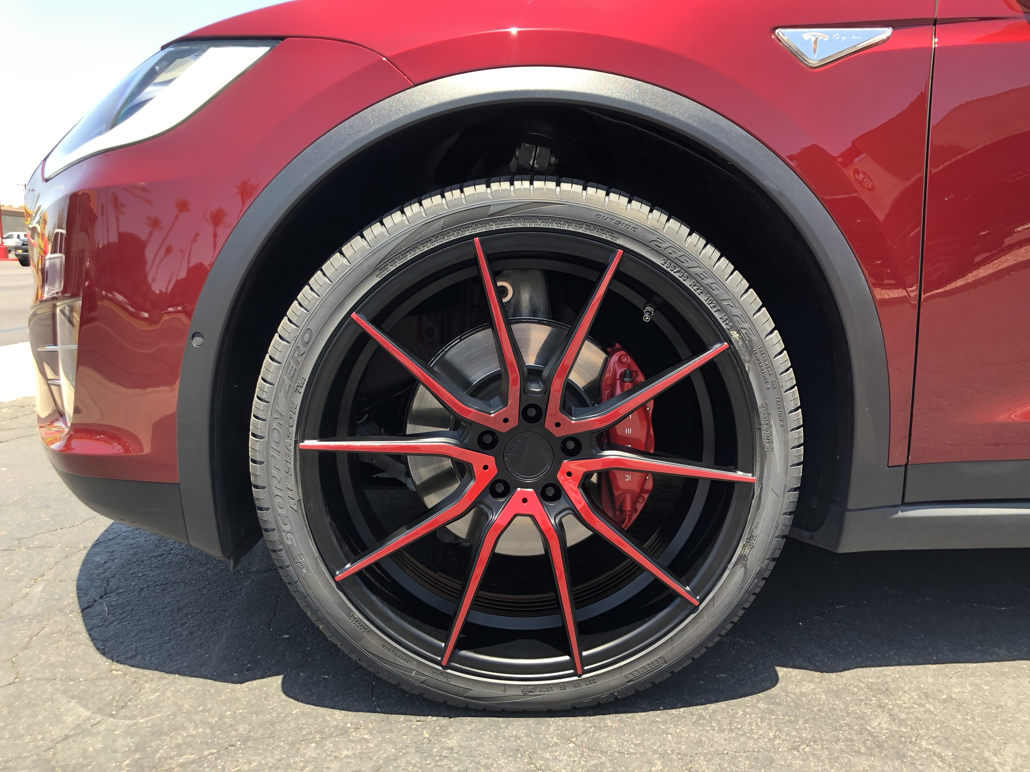 Red Tesla Model X (5)