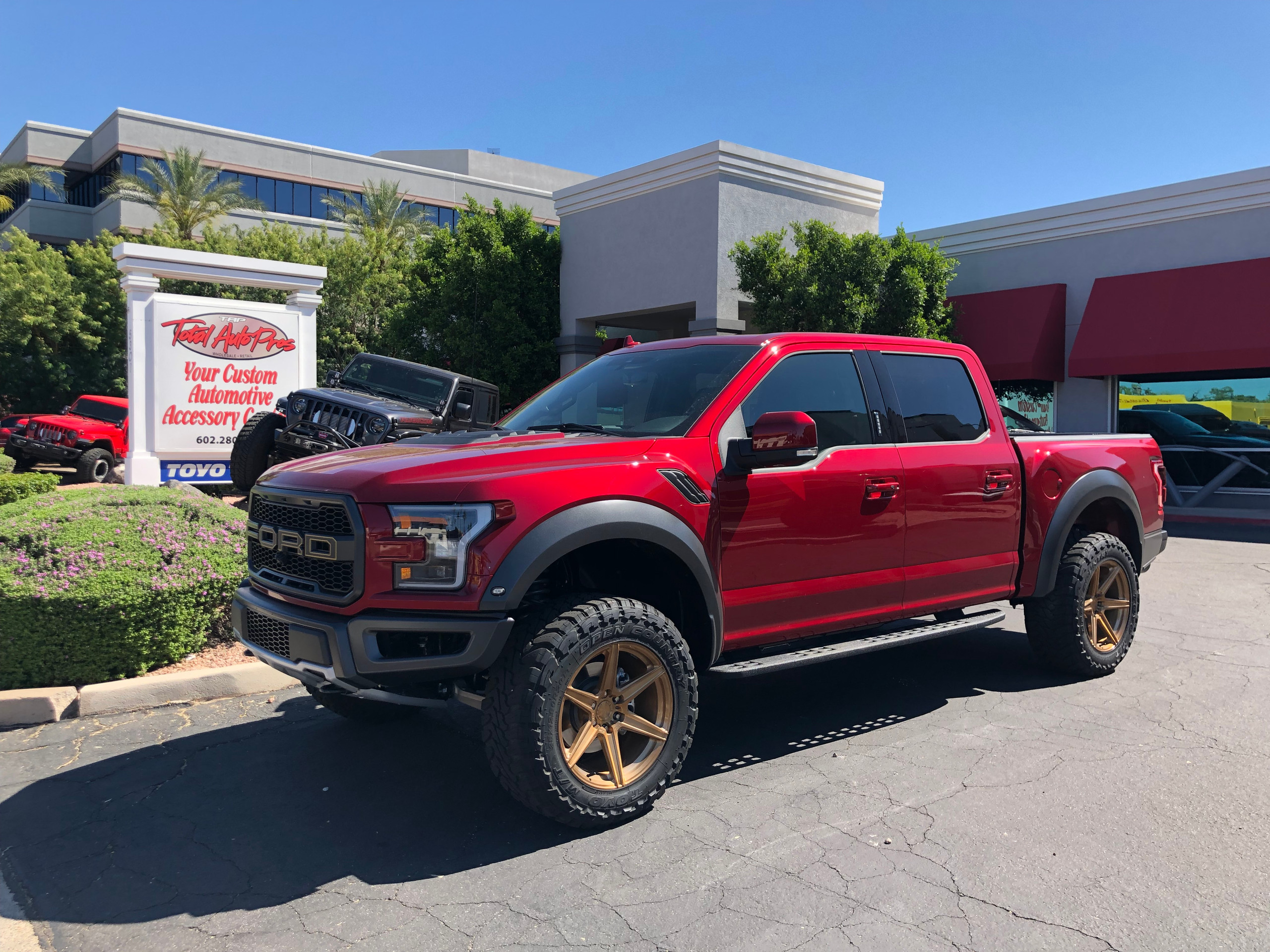 2019 Ford Raptor Toyo tires Magnaflow ex