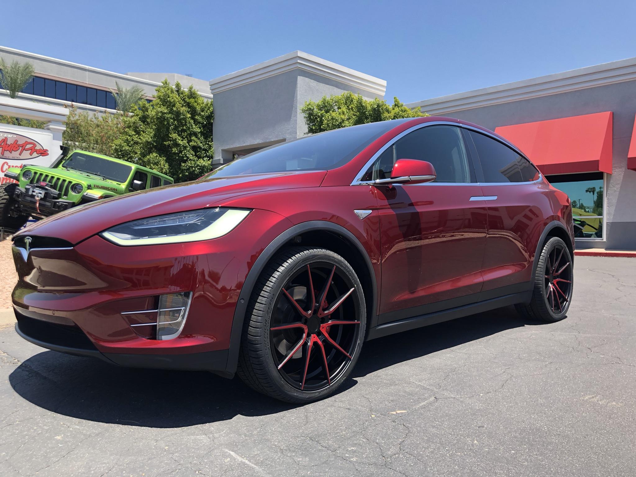 Red Tesla Model X (4)