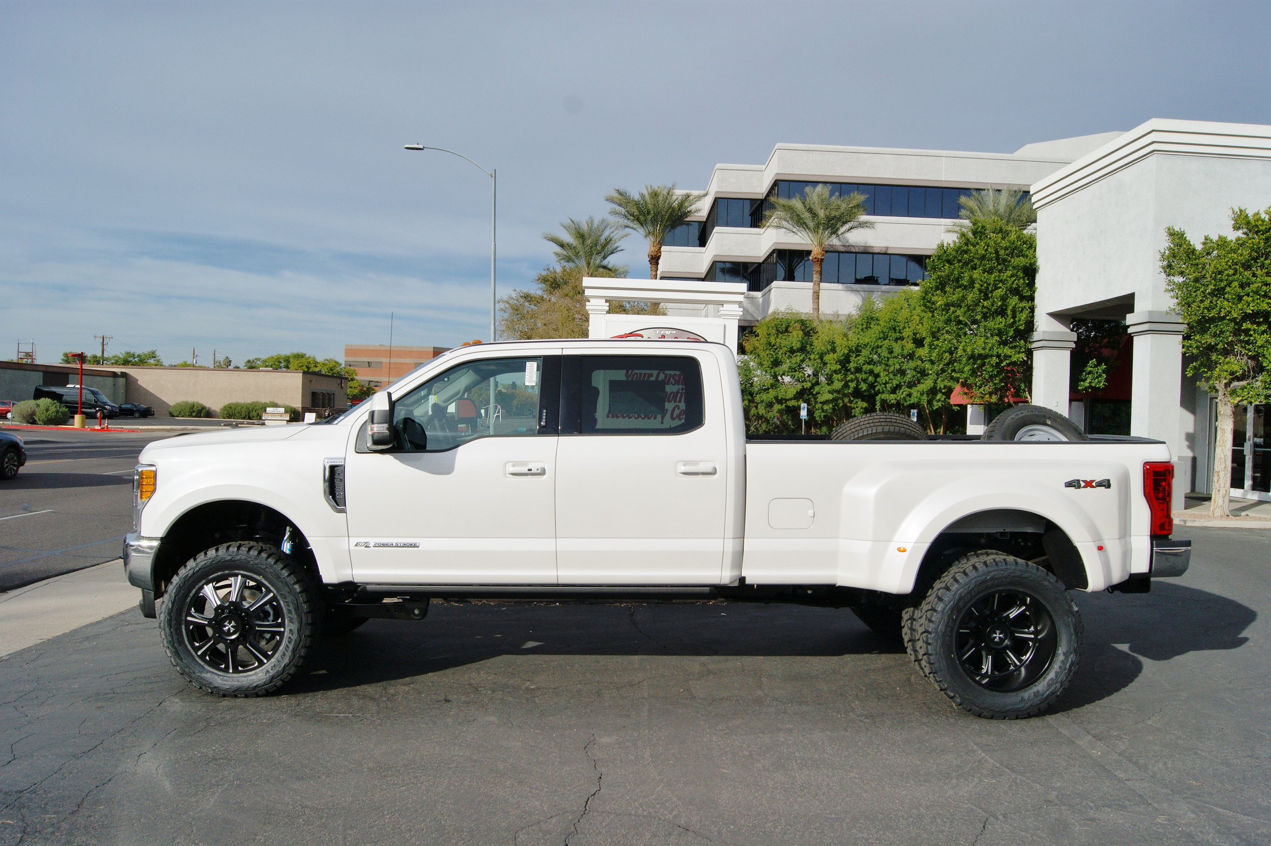 2017 Ford F350 Dually Crew Cab White