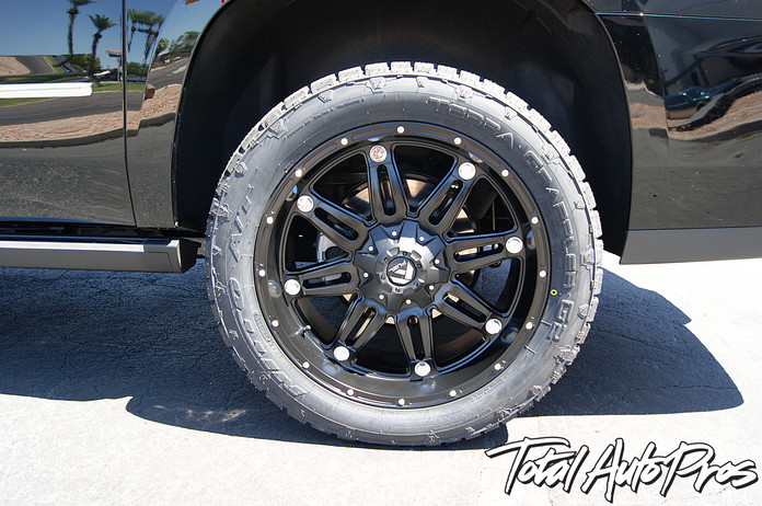 22x9 Fuel Offroad Hostage Black +19 | 305/45R22 Nitto Grappler G2 | Traxda Leveling Kit | Paint GMC Emblems Black