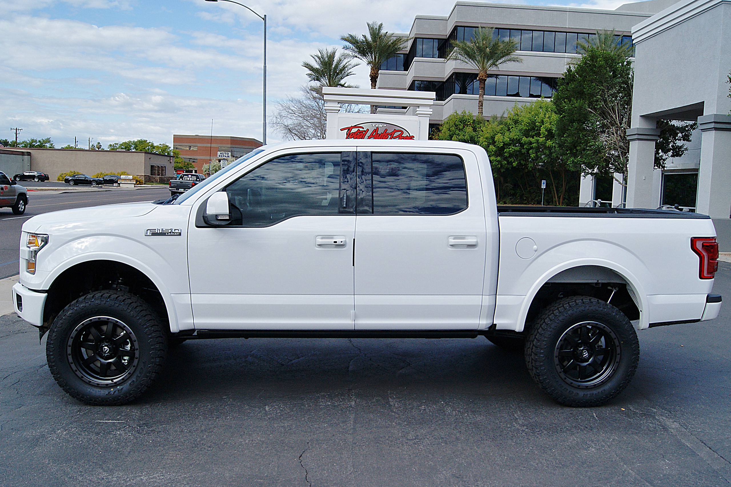 2017 Ford F150 White Lifted