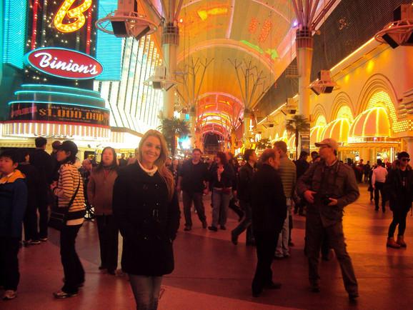 Um pulinho na Fremont Street, em Las Vegas