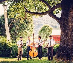 spring-garden-wedding-Kemper-Mils-Fant-Glamour-Grace-10_edited.jpg