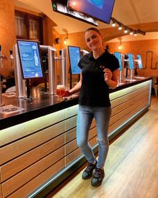 Our waitress 👩⚕️