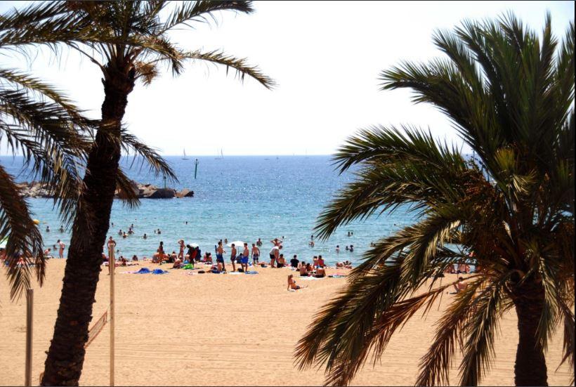une photo des plages à barcelone, pour vous faire rêver...