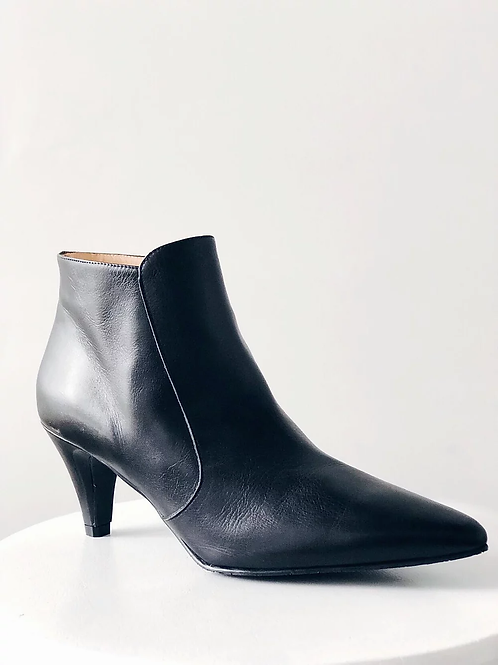 Pencil Heel Leather Boots