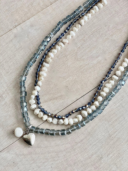 Freshwater Pearls & Beads