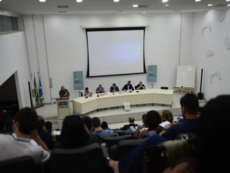 Debate com representantes de presidenciáveis abre programação do seminário