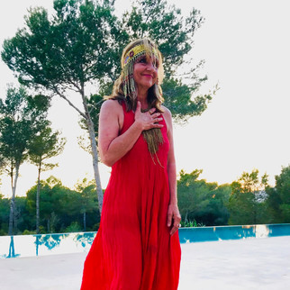 Creator of Ayurveda Mandala and Ayurveda-Yoga-Tantra programs, she has authored several books, sharing experience of the body as a channel for consciousness, integrating sensuality and sexuality as a natural expression of body-heart-soul.