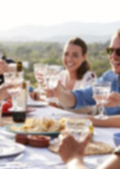 nutrition, repas avec des amis, hygiene de vie, obesite, maladie metabolique, diabete