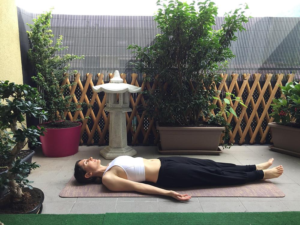 Posture de repos en Yoga - Shavasana