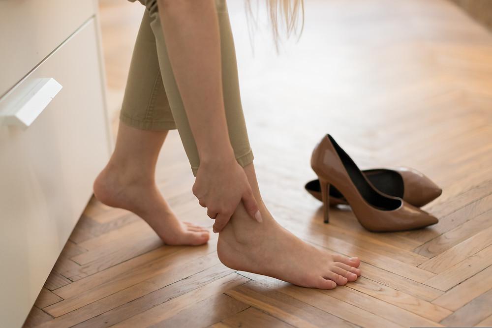 Jambes lourdes, varices, comment soulager la maladie veineuse
