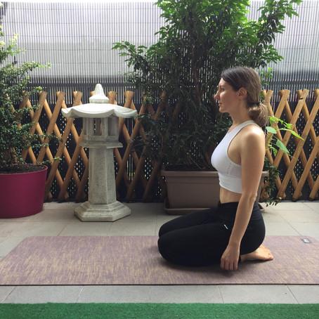 Postures de compensation pendant le yoga