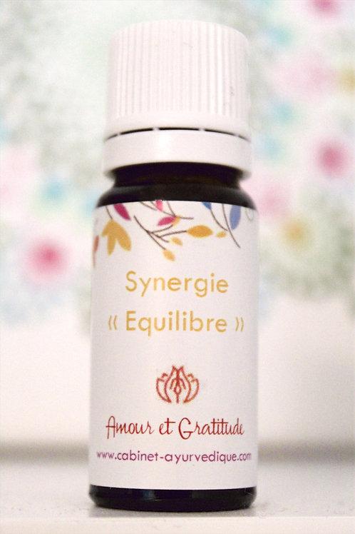 """Synergie """"Equilibre"""" : Amyris, Bois de hô, Bois de Santal, Cèdre..."""