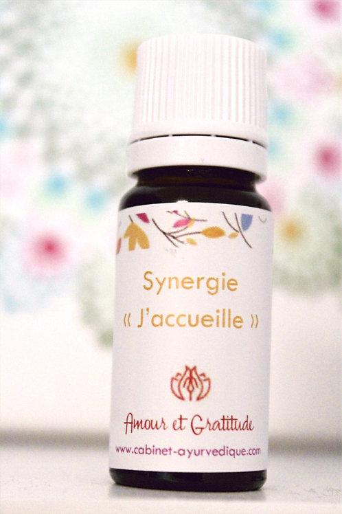 "Synergie ""J'accueille"" : Ylang Ylang, Bois de hô, Vétiver, Bergamote, Niaouli"