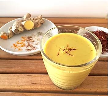 """Lait d'or """"Golden milk"""" - Une boisson réchauffante."""