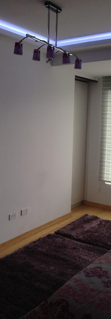 closet 10-min.JPG