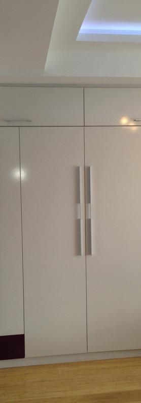 closet 6-min.JPG
