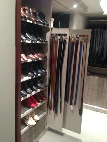 espinosa closet master 1.JPG
