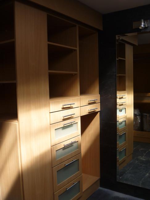 viera closet 1.JPG