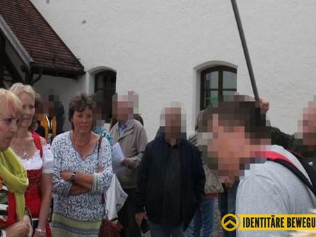 """IB Bayern nennt Claudia Roth """"Volksverräterin"""" – ins Gesicht"""