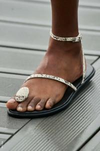 sandalia-coperni