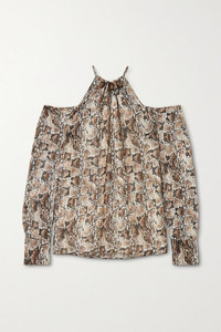 Modelo blusa Altuzarra