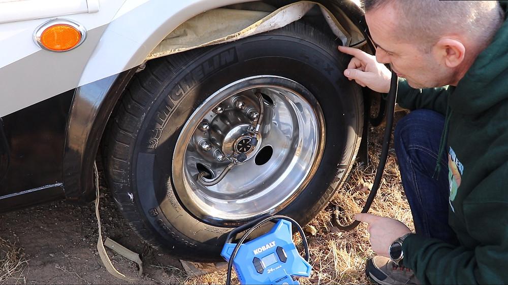 Kobalt Inflator airing up RV tires