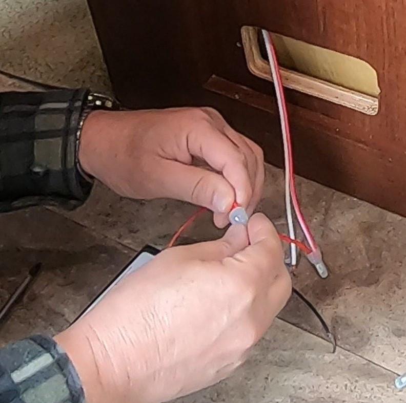 RV wiring LP gas detector