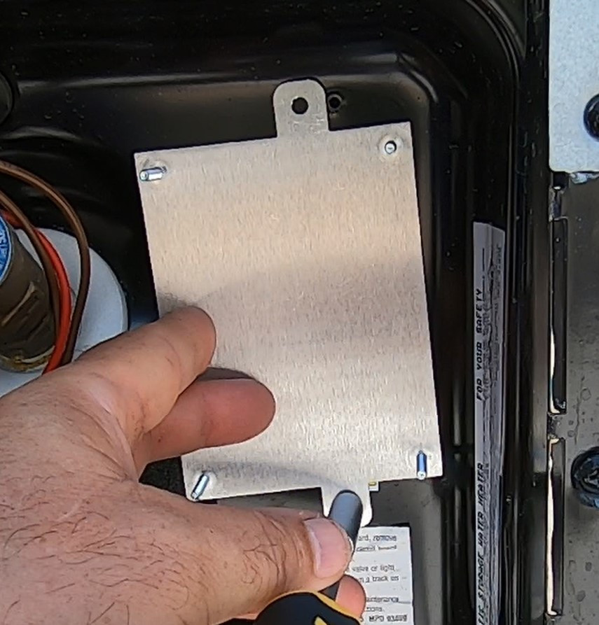 Dinosaur Electronics UIB 64 back mounting plate