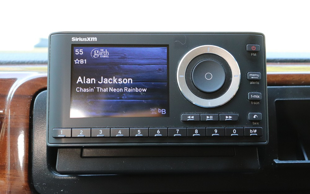 SiriusXM SXPL1V1 Onyx Plus Satellite Radio.