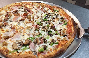 Broadway pizzeria wood fired pizza oven mushroom green pepper pizza