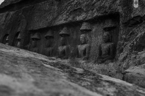 Kazhugumalai - Cave Temple