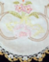 runner pastel roses yellow crochet edge-