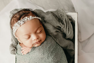 whitby newborn photographer