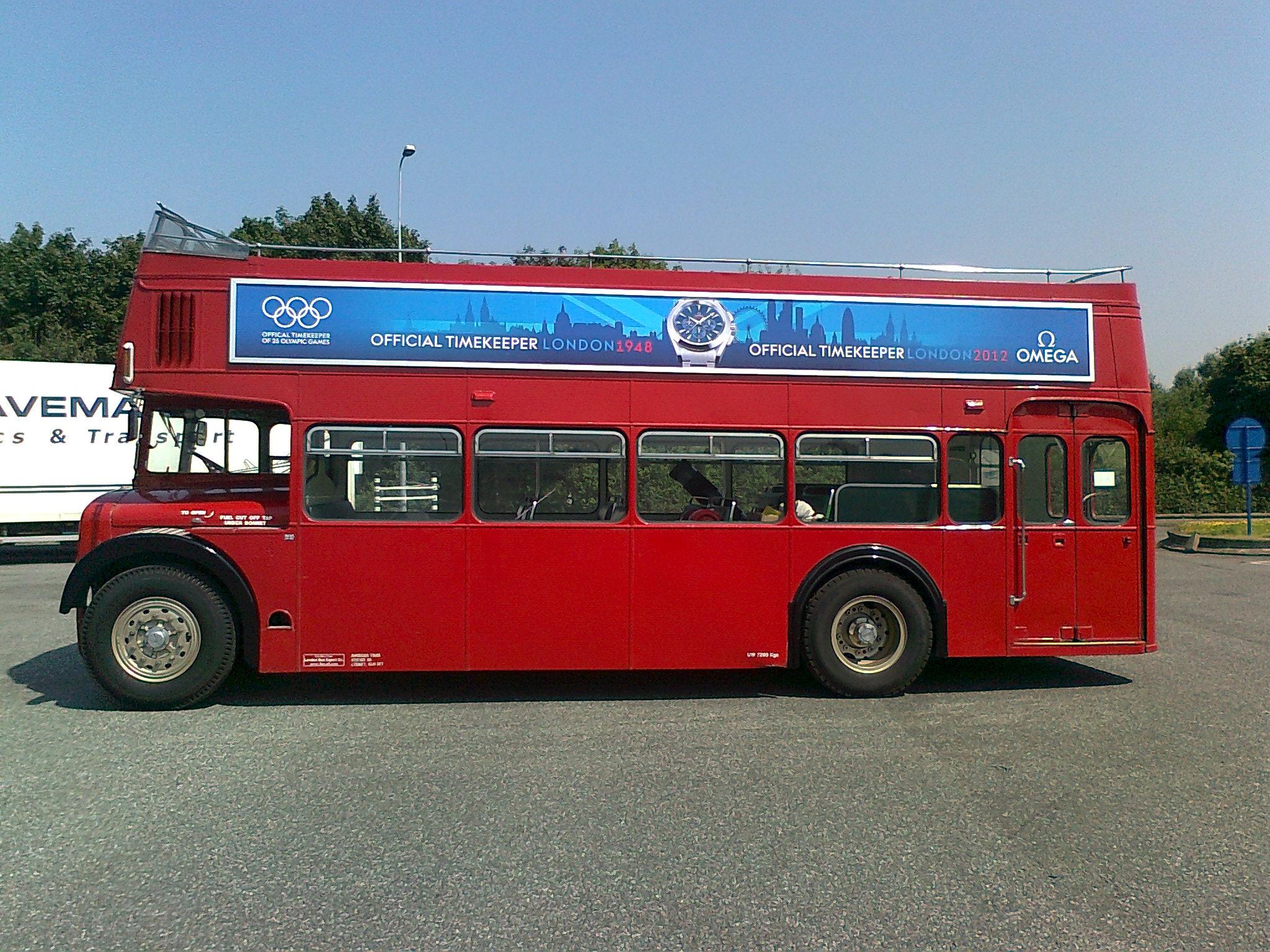 オープントップ ロンドンバス lola イベントプロモーション