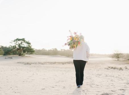 PERSONAL BRANDING   Flower Moment