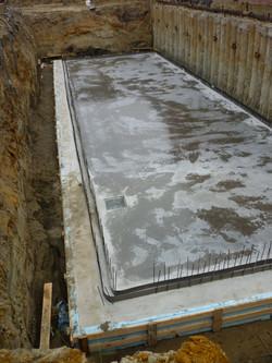Kelderplaat gestort, gepolierd en curing-compound aangebracht