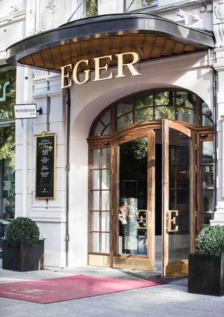 Department store Eger