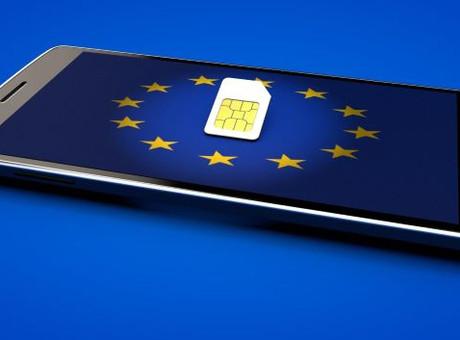 O seu telemóvel não é seu, exceto na Alemanha