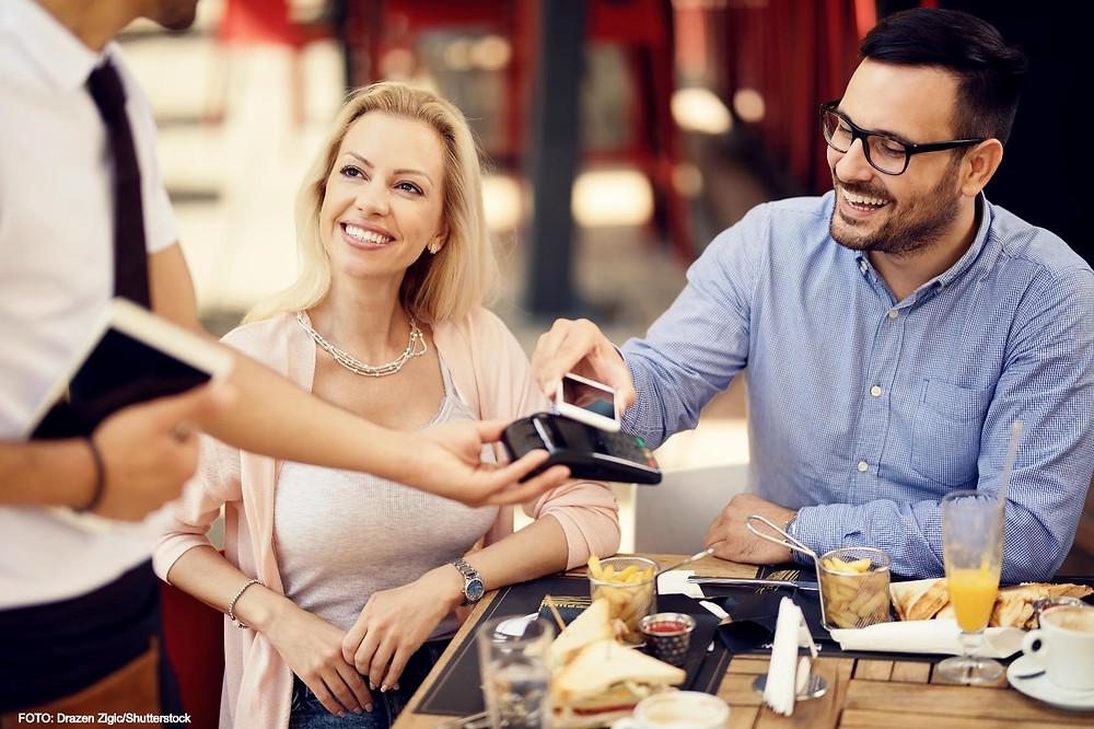 Estas aplicações também poderão usar as capacidades NFC para criar uma experiência inspirada no Apple Pay. Mas correrão completamente fora das mãos da Apple e até mesmo fora dos esquemas de pagamento dos cartões como o Visa ou o Mastercard.