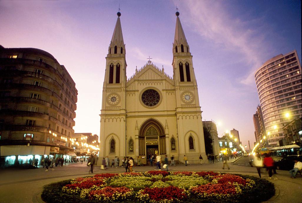 Catedral_Curitiba_RotasdoPinhao_JR.jpg