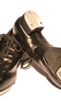 Souliers à claquettes noirs pour enfant lacés