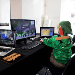 PGF 2016 Zelda playing Master of Icons
