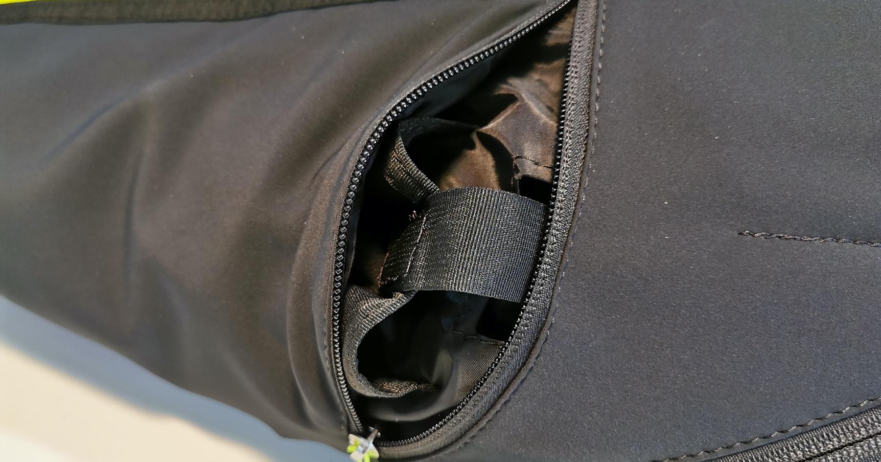 Integrierte Neopren Funktasche